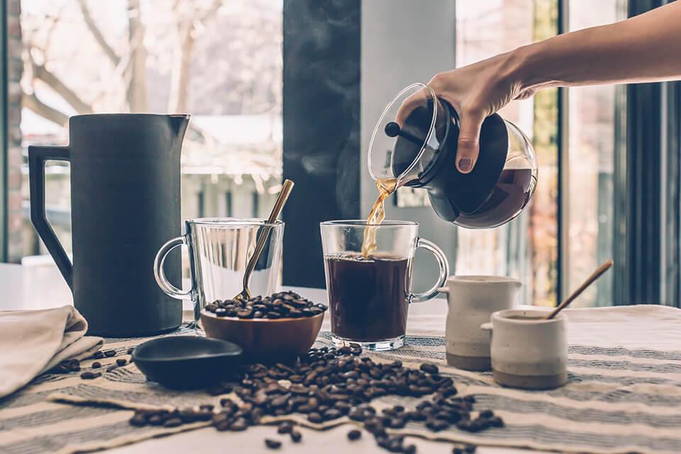 自宅でコーヒーを淹れて飲む人への贈り物