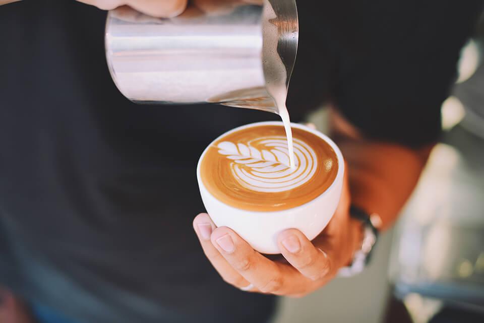 専門店のカフェラテ