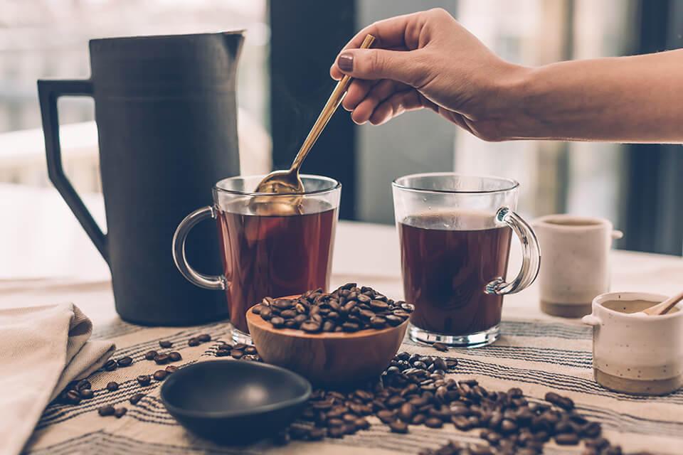 コーヒーシロップの使い道:お湯や水で割って飲んでみる