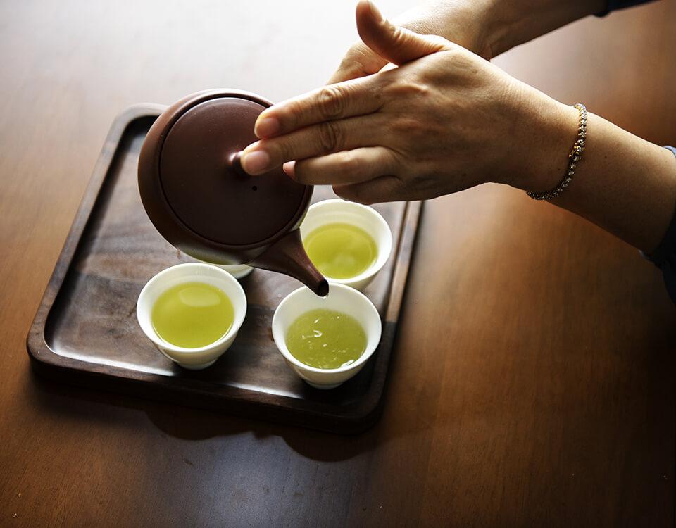 いつもの緑茶にネトルを