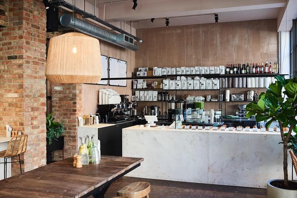 店舗のひとつロンドン・フィッツロビア店