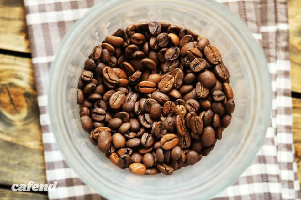 """コーヒーの味は焙煎で決まる? プロの焙煎士が""""見る""""ポイントを徹底解説します"""