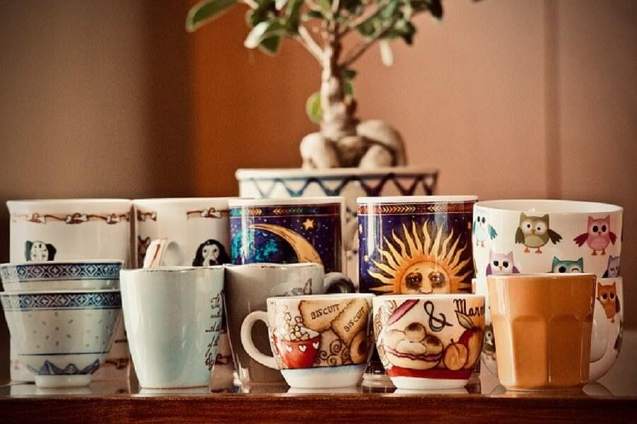 たくさんのコーヒーカップ