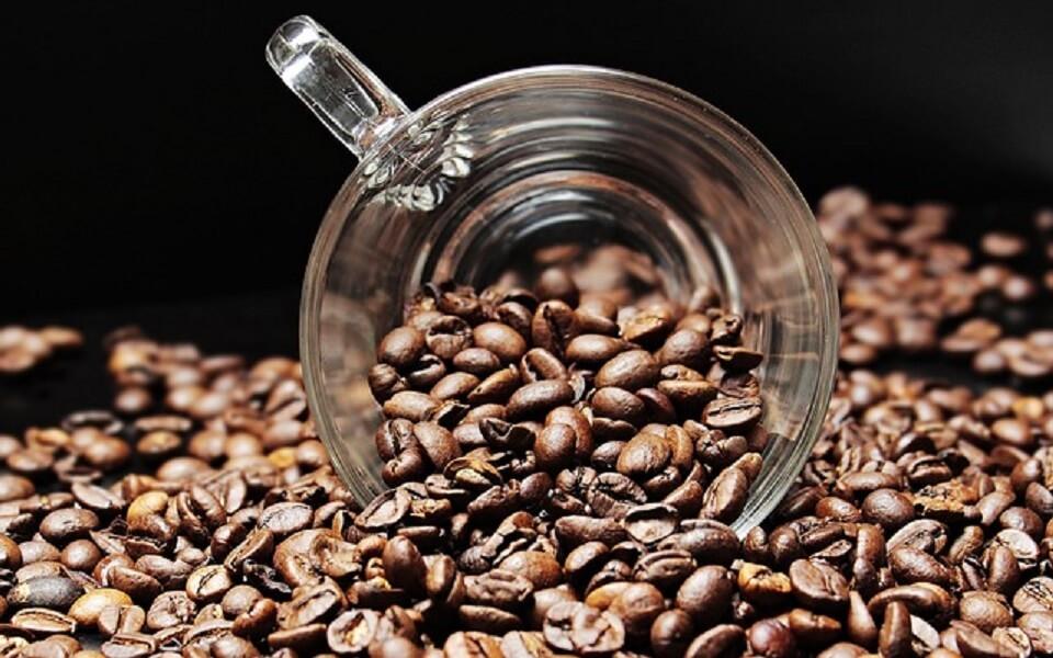 マグとコーヒー豆