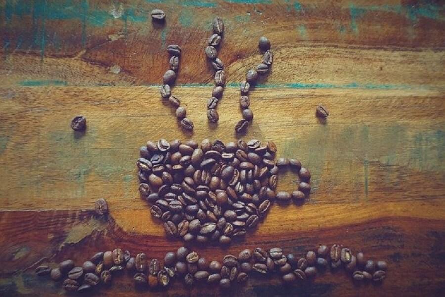 コーヒー豆で作ったコーヒーマグ