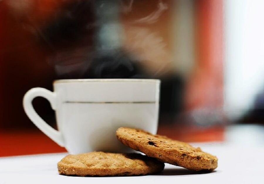 クッキーとコーヒーカップ