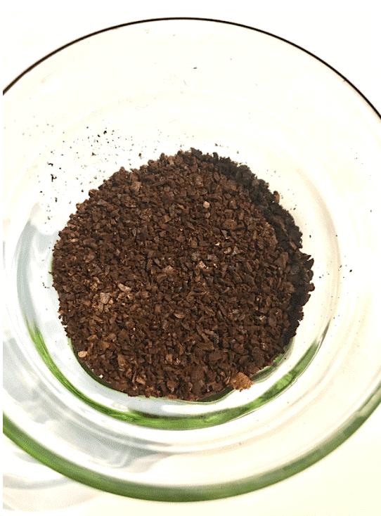 カフェインレスコーヒー_挽く
