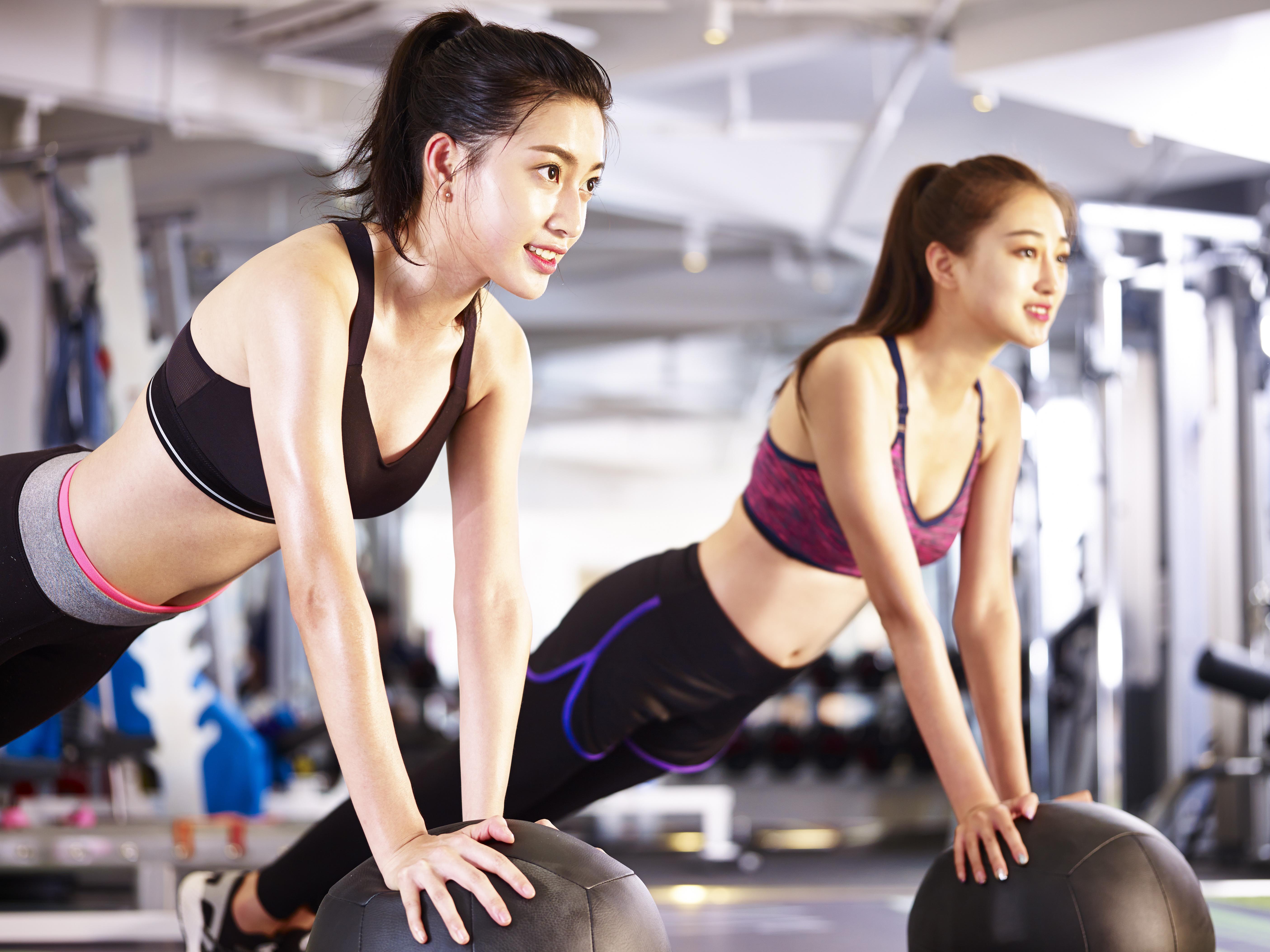女性同士_トレーニング
